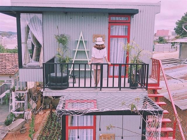 Utopia Dalat- Homestay &Coffee Bar tọa lạc tại 55/5 Hùng Vương, Phường 9, Đà Lạt, cách Hồ Xuân Hương 8 phút chạy xe máy, 4 phút tới khu nhà vườn Hồ Than Thở, khám phá view đường xe lửa từ ga Đà Lạt tới khu nhà vườn Trại Mát.